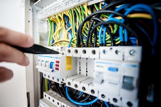 Curso de Electricidad, Curso de Electricidad Básica, Curso Básico de Electricidad.